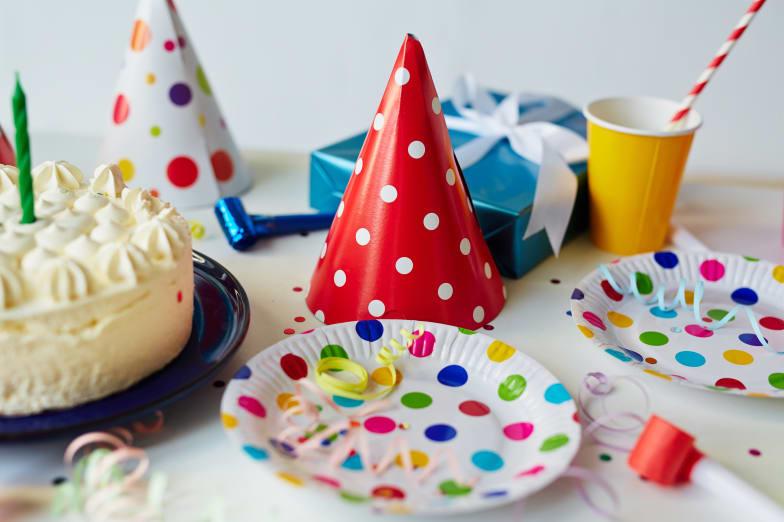 verre et assiette anniversaire
