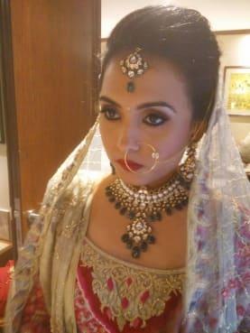 Roopali Agrawal Make Up Artist