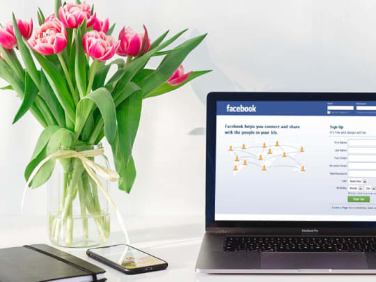 How to Give Your Condolences on Facebook - Funeralocity