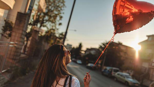 Happy single zijn, lukt je dat? iStock ©
