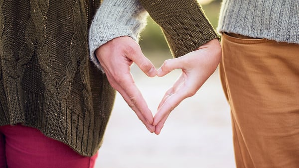 What is a healthy relationship? Kristina Litvjak - Unsplash ©