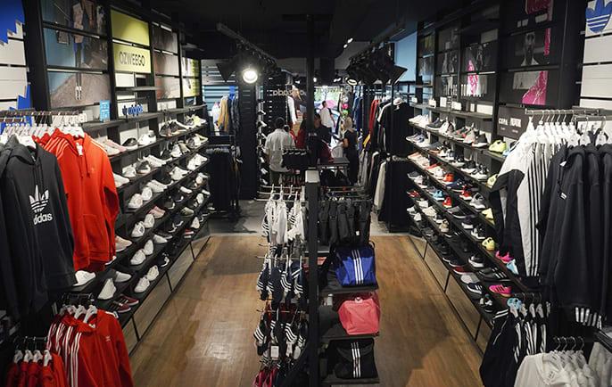 Nacional vertical germen  Tienda adidas - Calle Mayor Madrid | Teléfono, Horarios y Cómo llegar