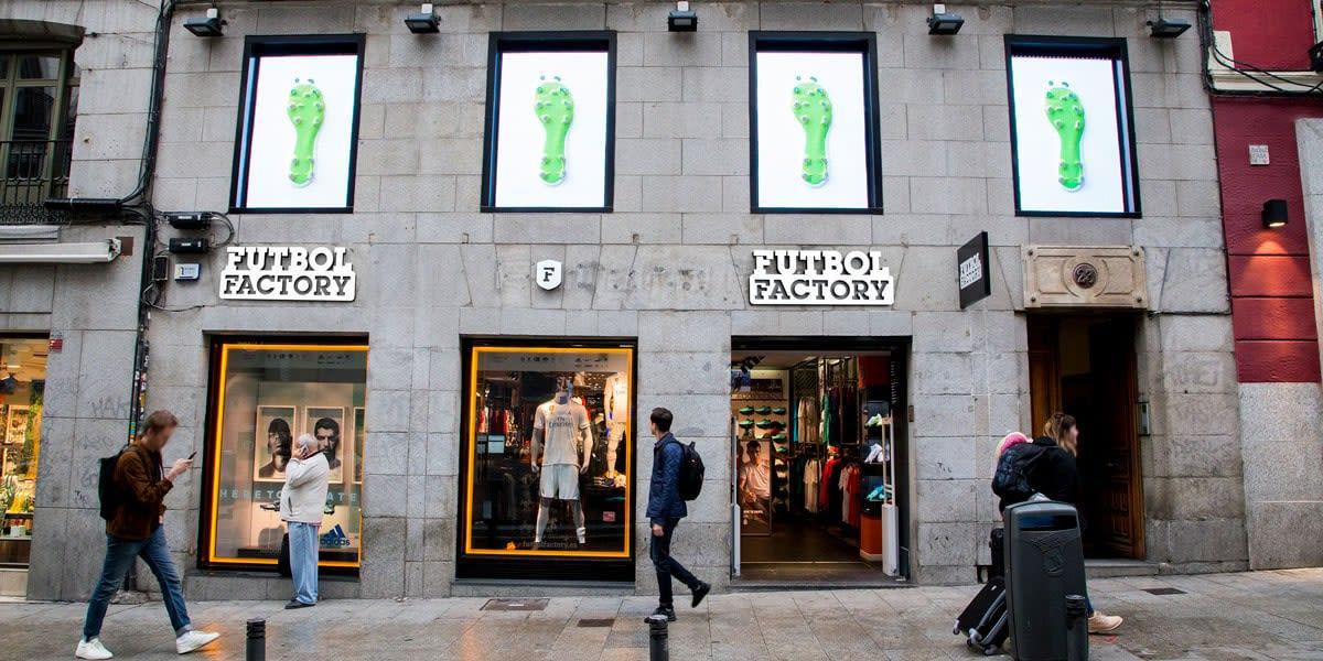Tienda Fútbol Factory calle Carretas