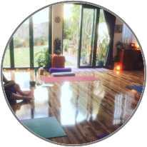 Santosha Yoga logo