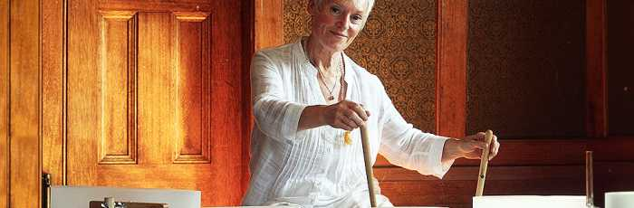 Crystal Bowl Sound Therapy with Barbara Jackson ,Phillip