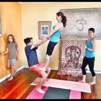 Family Acroyoga (parents & kids 9-14yrs) - Fremantle
