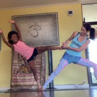 Family Acroyoga (parents & kids 9-14yrs)