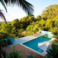 Radiance Byron Bay Yoga Cleanse Walk Restore Retreat with Jessie Chapman and facilitators