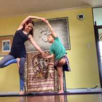 Family Acroyoga (parents & kids 5-8 years)