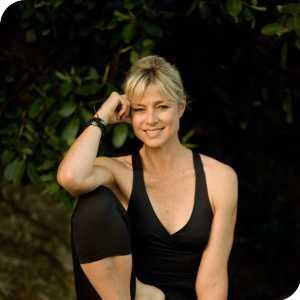 Gwynne Jones Yoga logo