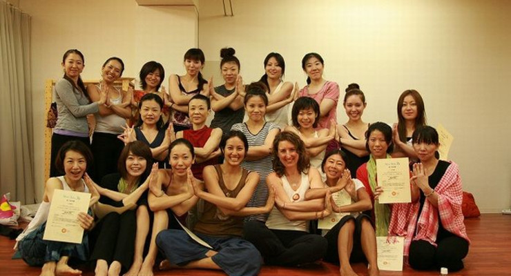 85 hour Prenatal & Postnatal Yoga Teacher Training in Japanese