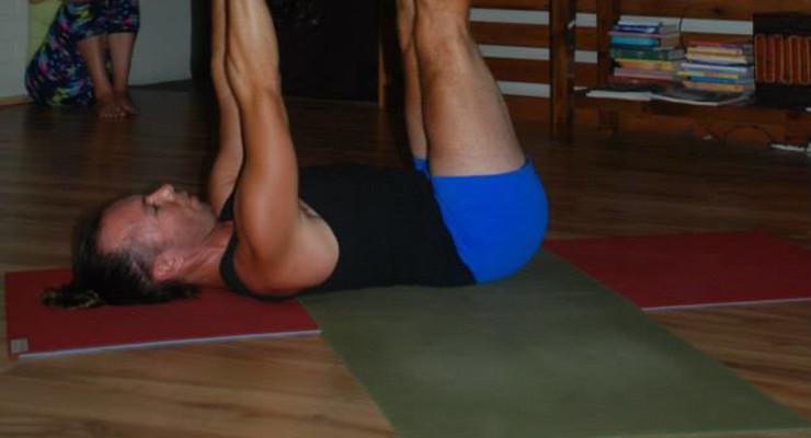 Yogi Vibes Trunk Show & yoga/acroyoga Jam