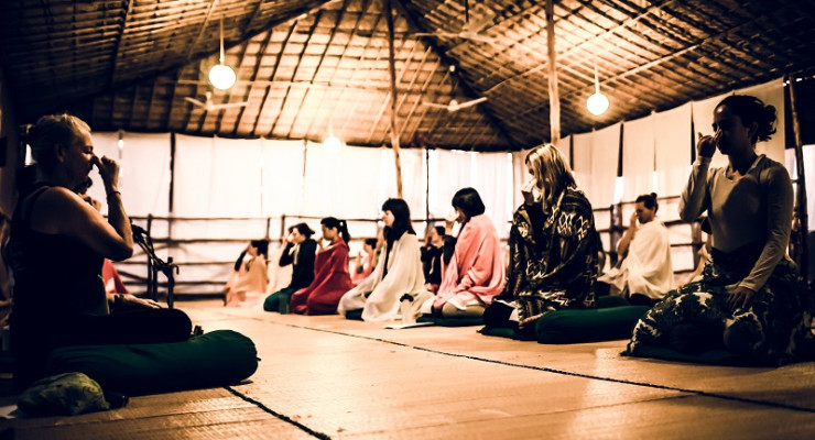 200hr Teacher Training: Morning Chanting, Meditation and Pranayama