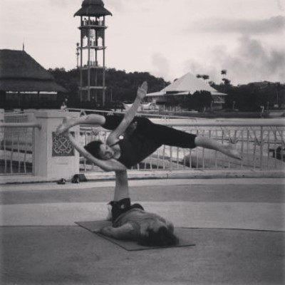 AcroYoga - Dynamics & Therapeutics Workshop