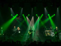SteveHacket whole band green by Simon Lowery 43