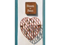 Rooms for rent crop