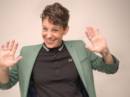Suzi Ruffell Rationale in the Ridiculous Smiling