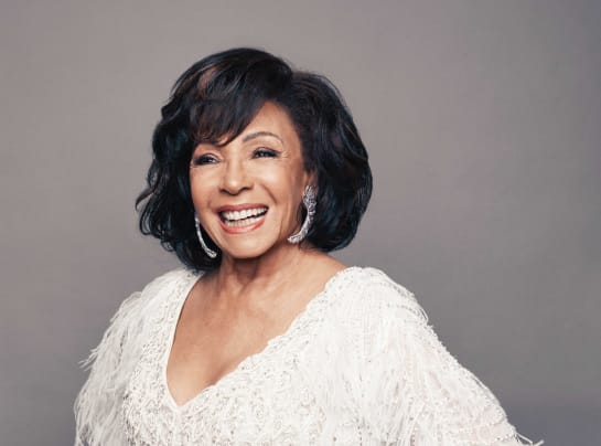 Dame Shirley Bassey Photo 1 Matt Holyoak 1
