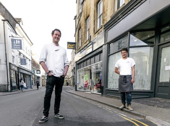 thumbnail Sam and Jak are back in Cirencester
