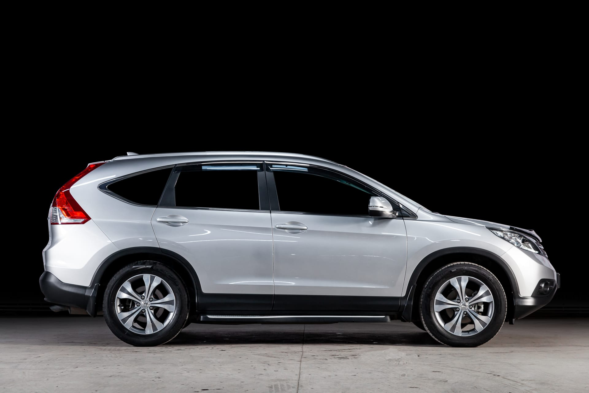 2019 Honda CR V side view