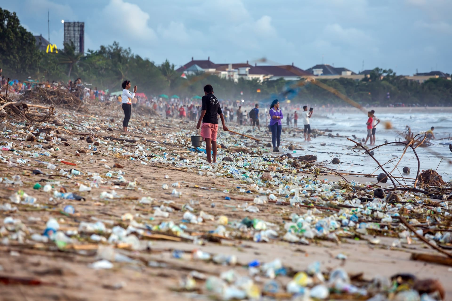 Plastic Polution on Kuta Beach Bali The Big Bang