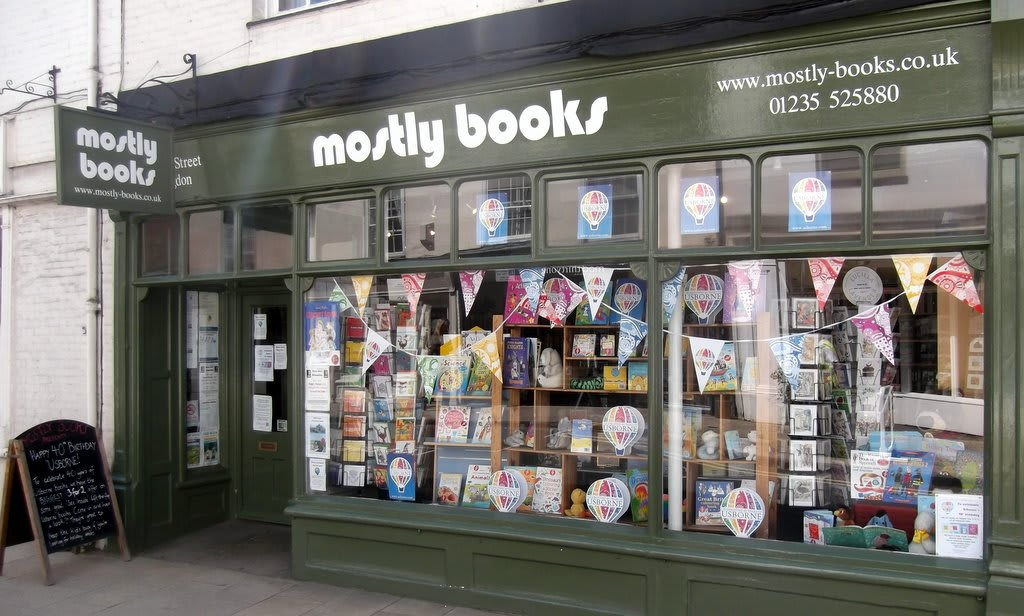 mostly books tn1o5y