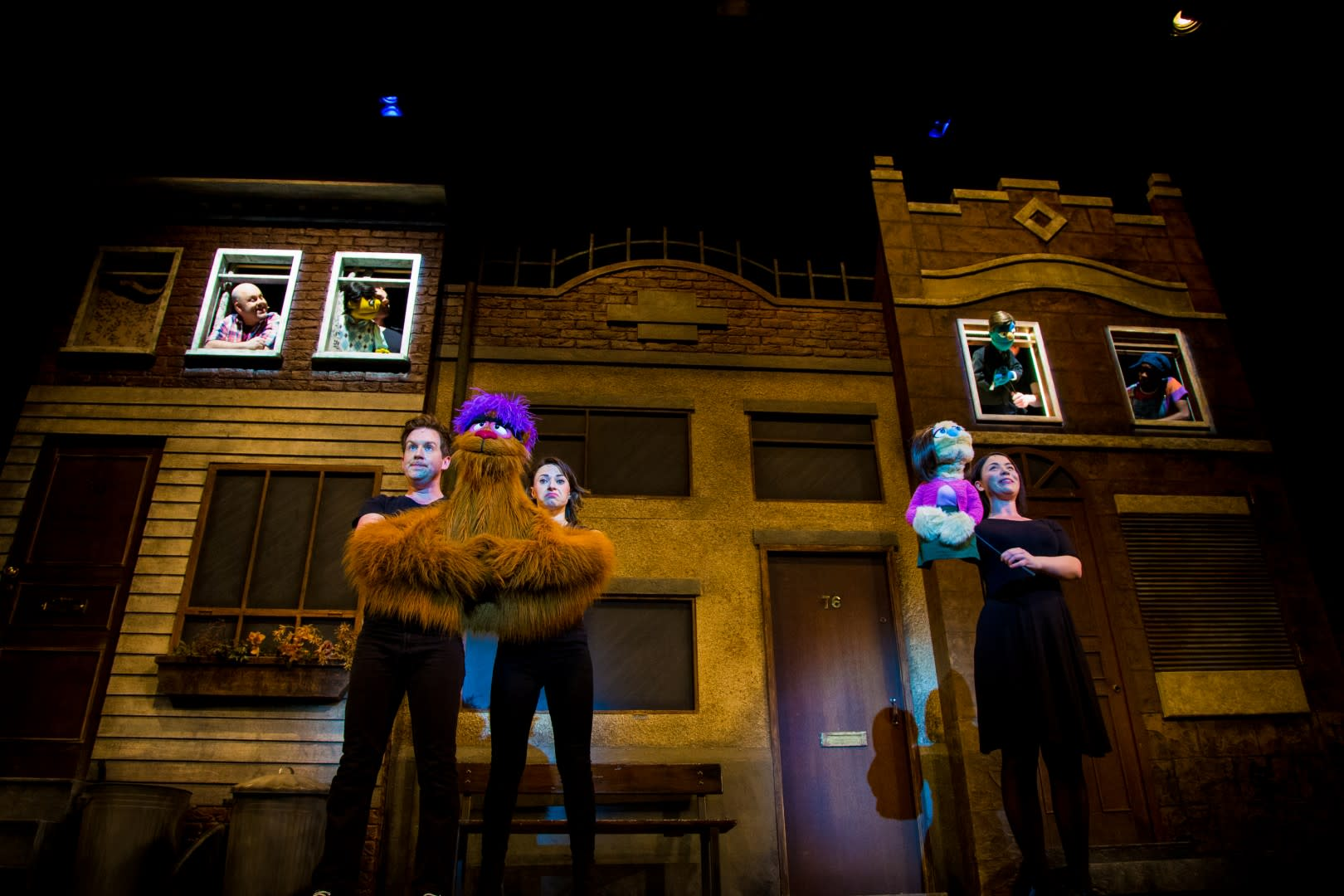 Review Avenue Q Dress Live Stage Performance