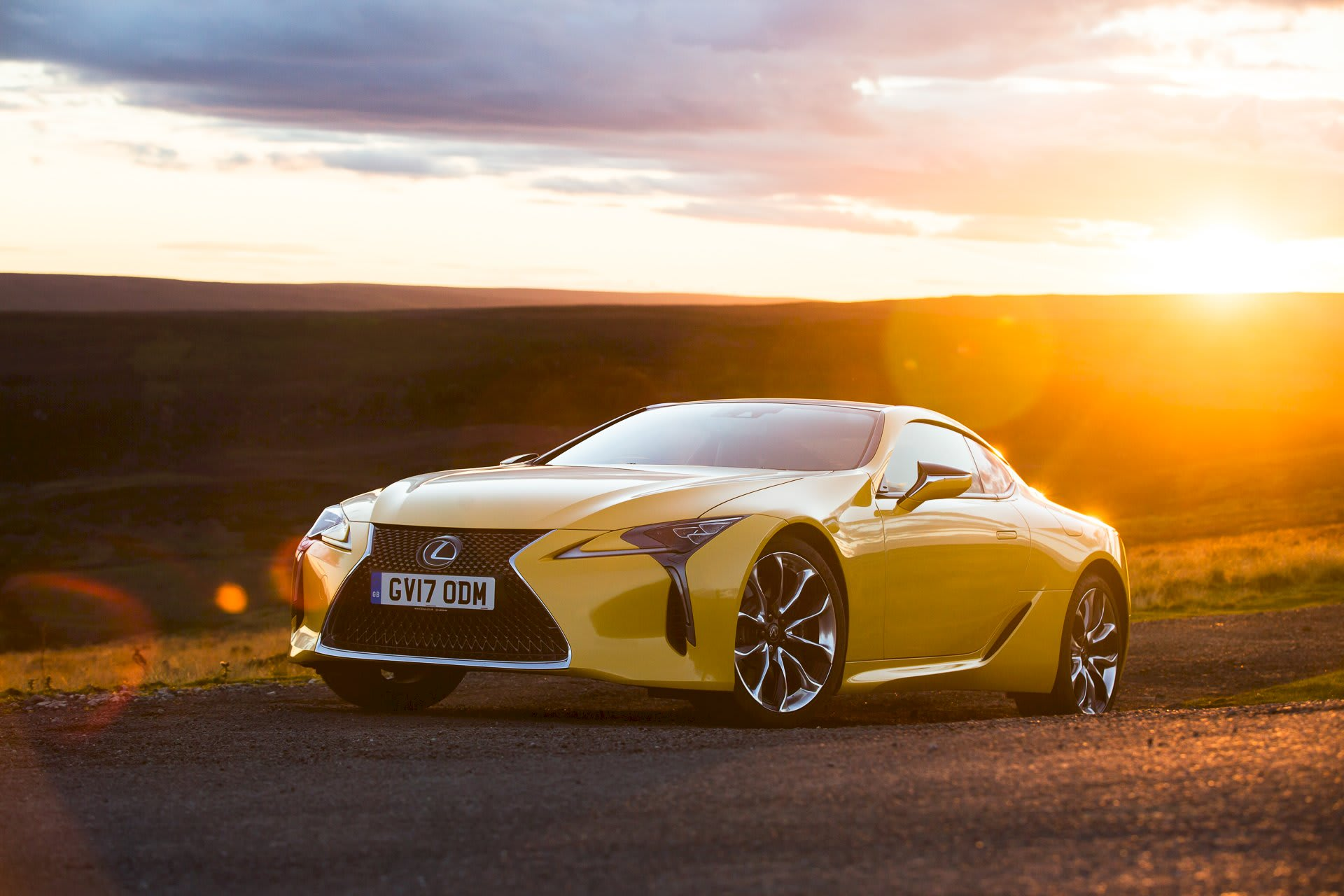 Drive The Lexus LC500 V8 Yellow limited edition