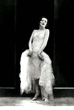 A LATE 1920S JAZZ AGE NORMAN HARTNELL EVENING DRESS 3 lqj2a6