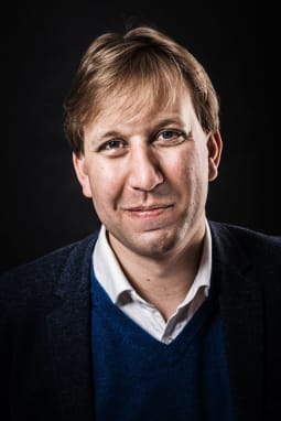Chris Lintott author photo 3 hthvo0