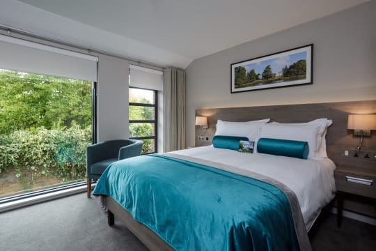 Henley Greenlands Bourne Room Blue