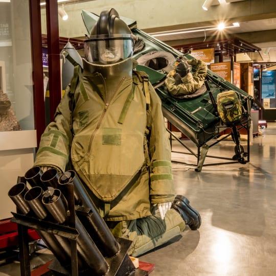 Modern Conflict Exhibit   DEMS Bomb Suit Mortar hkamir