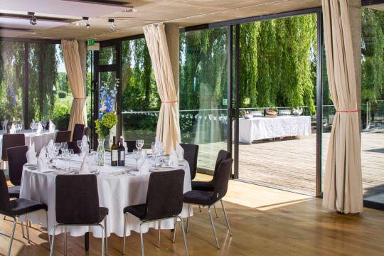 Thames Room exdgat