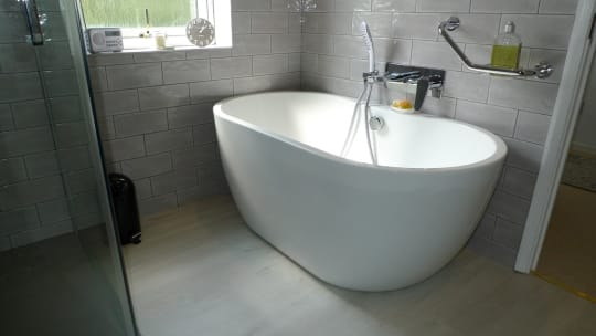 The Cotswold Bathroom Company Basic White Tub