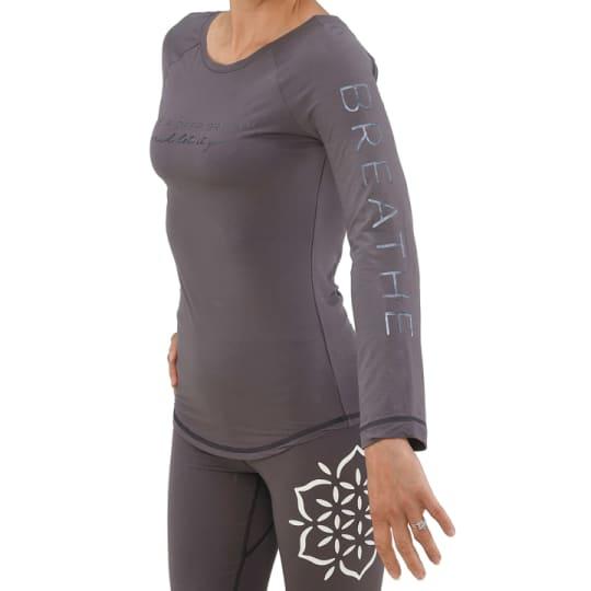 long sleeve Breathe360 top