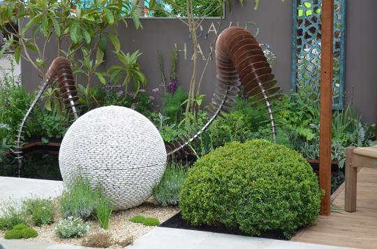 Susan Dunstall sculpture garden 2013