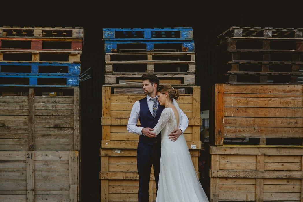 Reportage Wedding Photographer Berkshire Stanlake Park 70 b5iwok