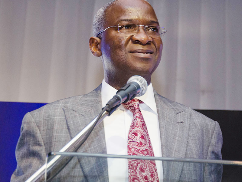 Fashola urges firms to speed up dualisation of Lokoja–Auchi-Benin Road