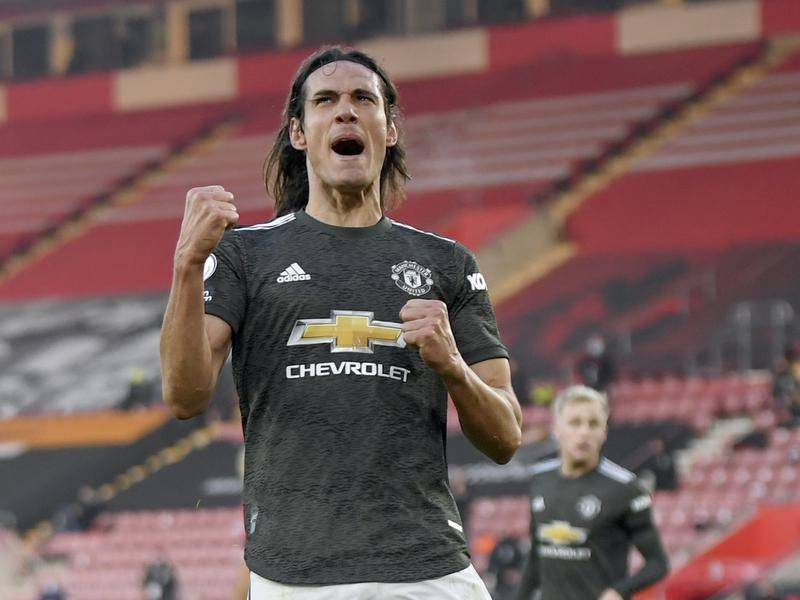 Edinson Cavani seals Man Utd comeback win