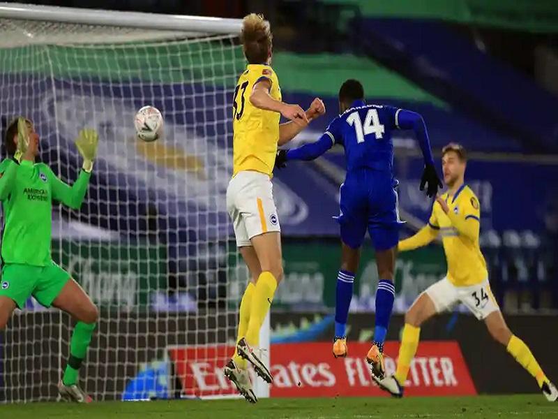 Iheanacho's late goal sends Leicester to FA quarter finals
