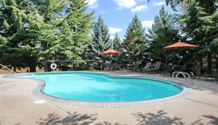 The community pool at Maybeck at the Bend