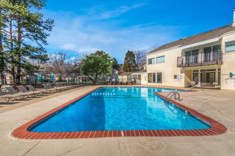 Swimming pool at The Flats at Arrowood in Charlotte, North Carolina