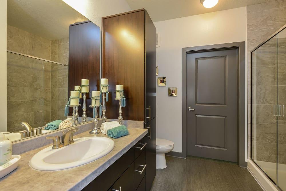 Large Bathroom  at Spyglass