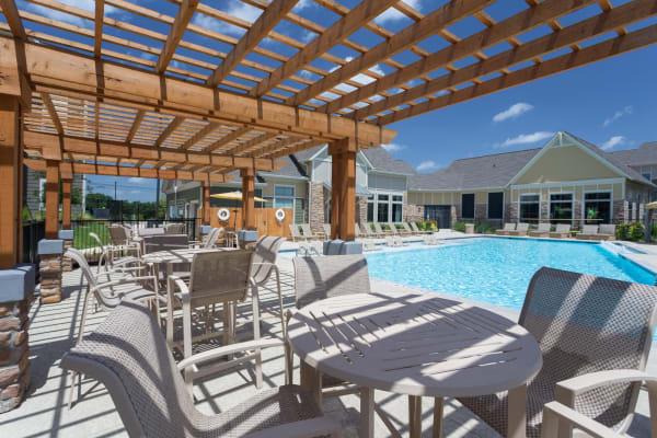 Swimming pool and cabana at Encore 281 in San Antonio, TX