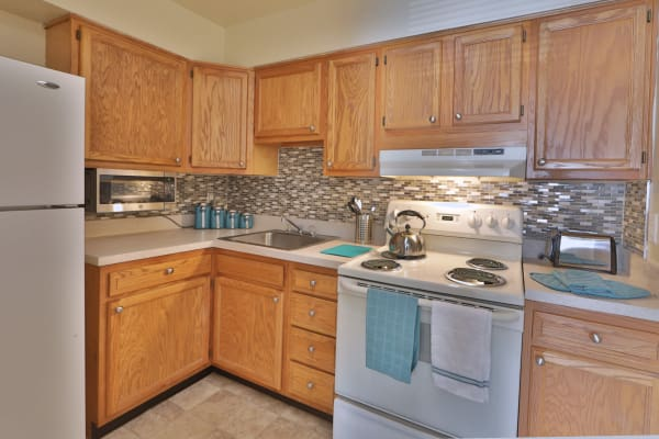Fully equipped kitchen at The Willows Apartment Homes
