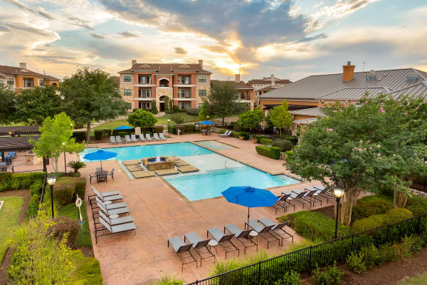 Beautiful aerial view of Onion Creek Luxury Apartments in Austin, Texas