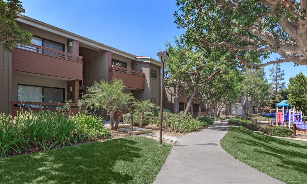 Walk way outside apartments at Parcwood Apartments