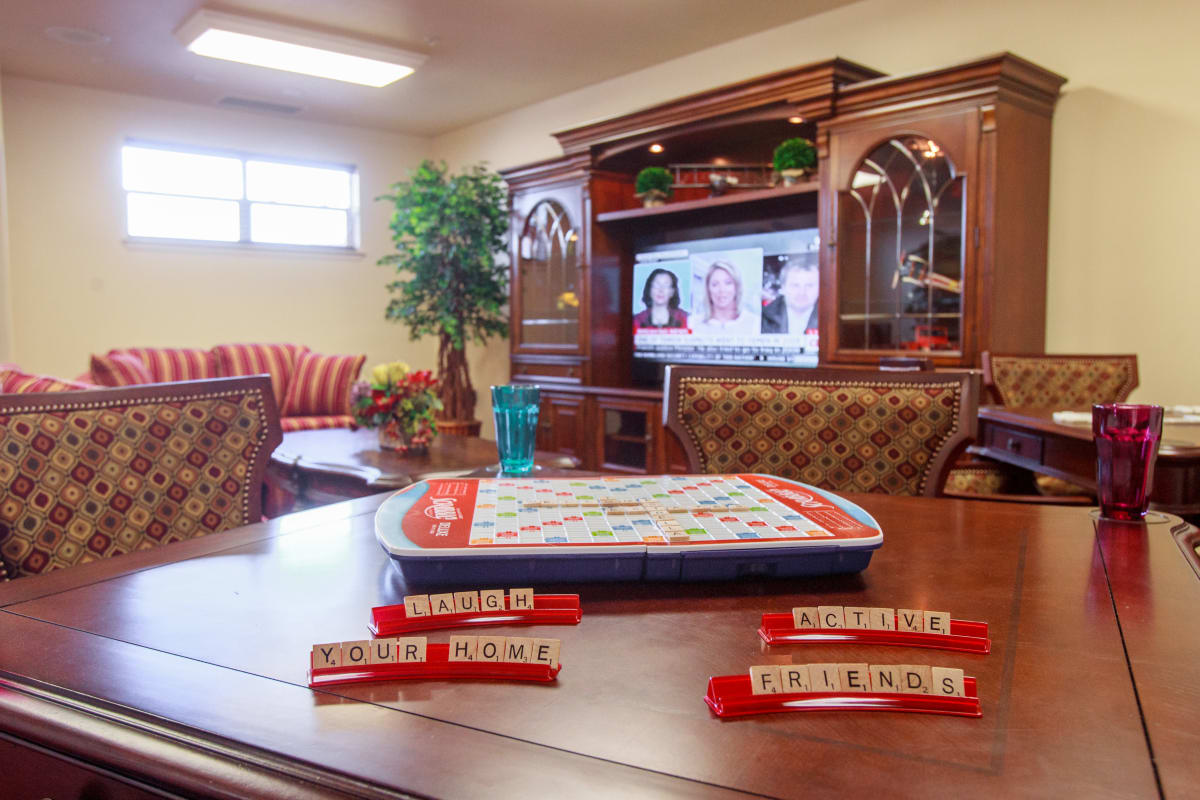 The community game room at Somerset Lodge in Gladstone, Oregon