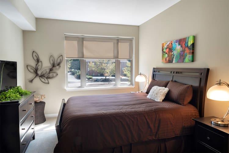 Bedroom at Cosmopolitan in Pittsburgh, Pennsylvania