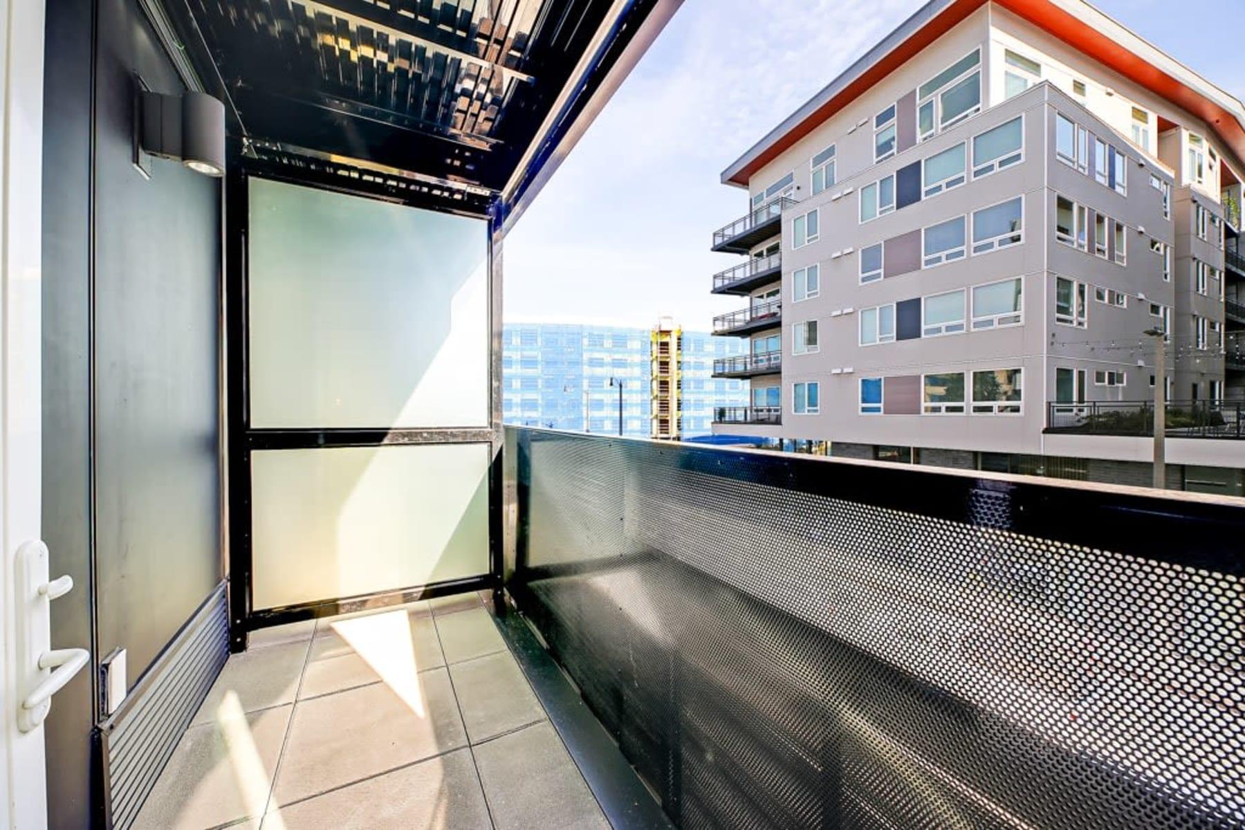 Blackbird in Redmond, Washington offers a balcony